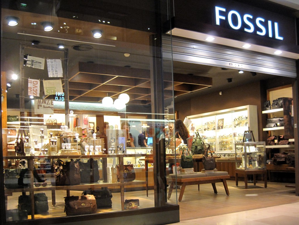 Fossil storefront. Your local Fossil Watches, Wallets, Bags & Accessories in Montreal,